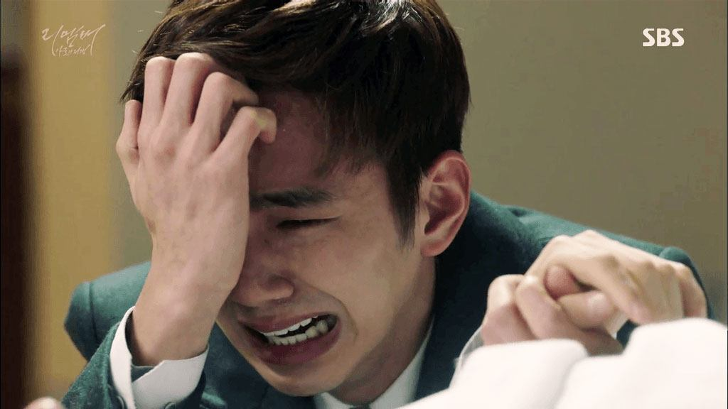 Video Catches Yoo Seung Ho Crying On Camera Because He