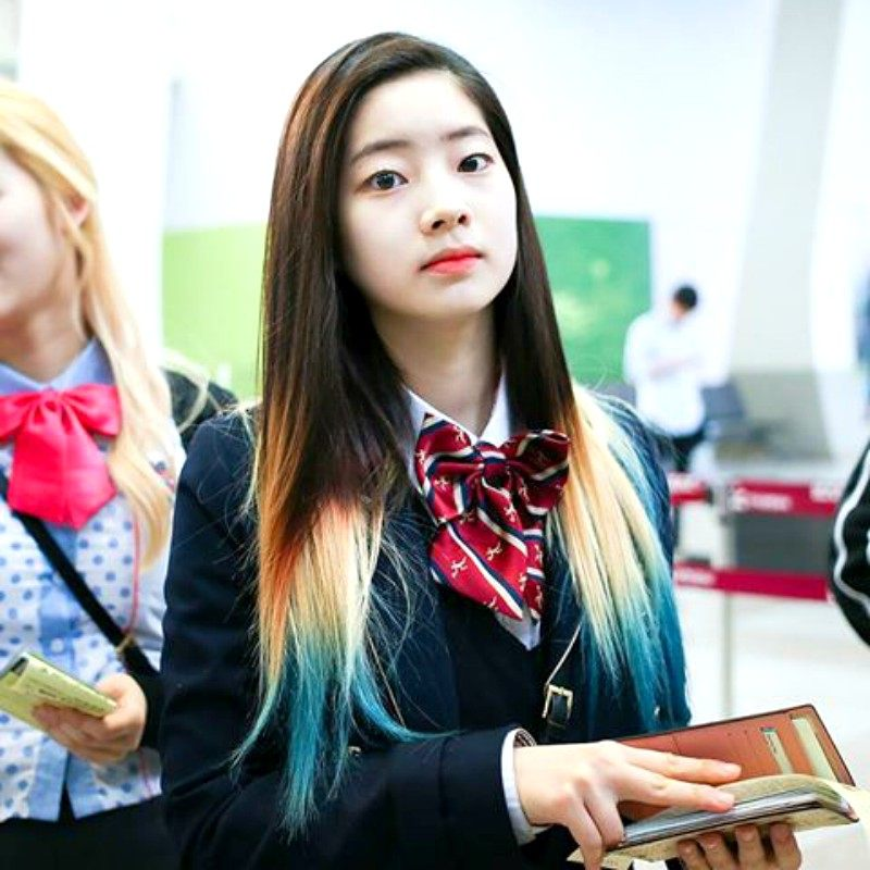 14 Completely Inspiring Photos Of Dahyun S Perfect Dip Dye