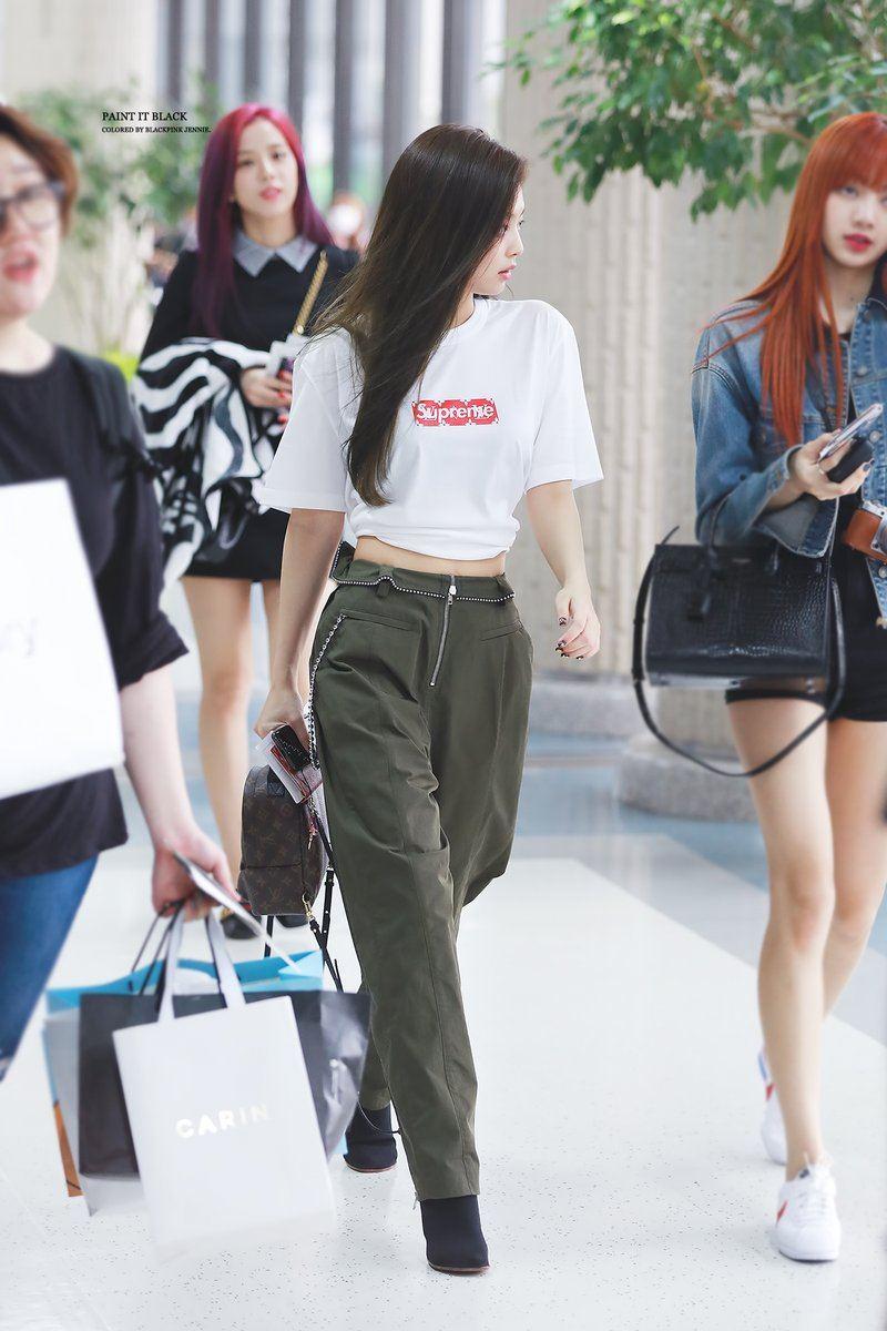BLACKPINKu0026#39;s Fashion Makes An Airport Look Like A Runway u2014 Koreaboo