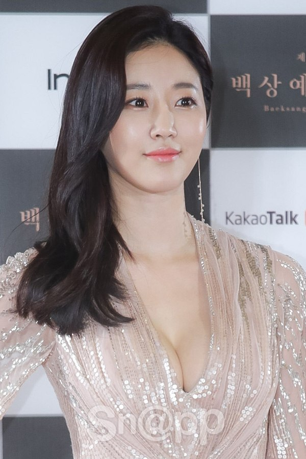 Sa-rang Kim nude 302