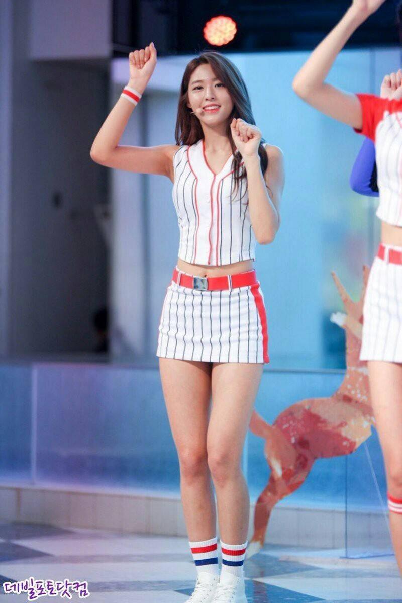 Sexy korean idols iu suzy krystal yoona - 3 part 6