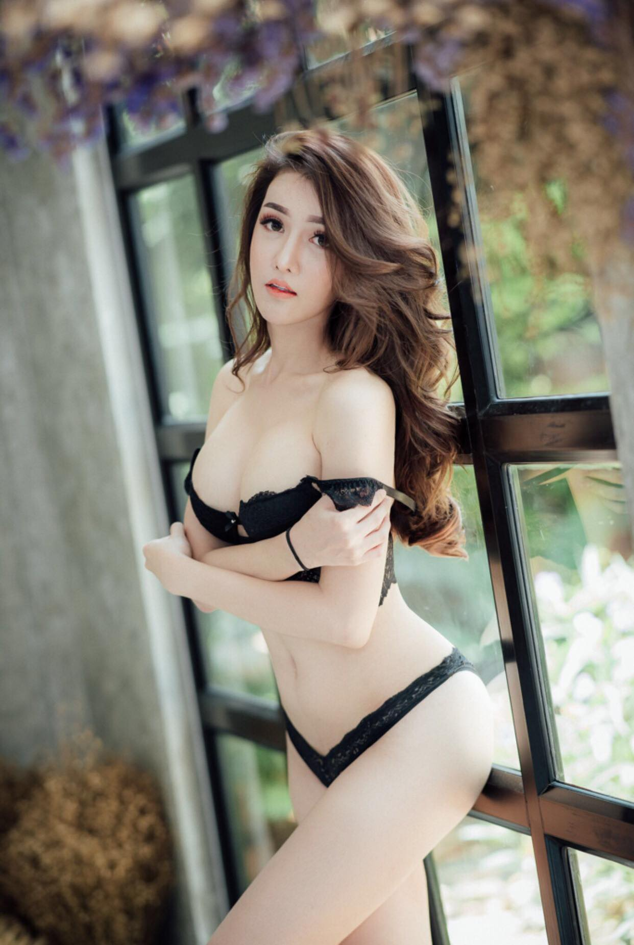Top 10 Most Beautiful Thai Transgender Women Who Are Sexy Af
