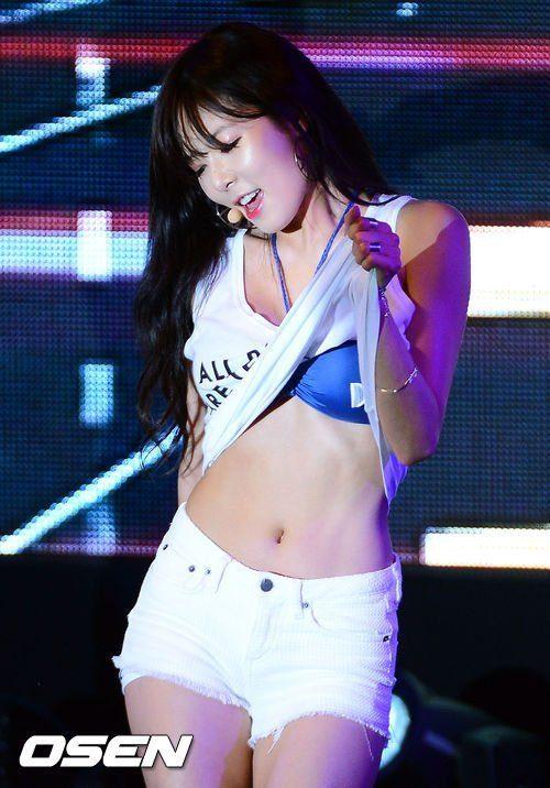 Body tuyệt đỉnh và thời trang tạo sóng bảo sao HyunA mãi là nữ hoàng gợi cảm của Kpop suốt thập kỷ qua ảnh 10