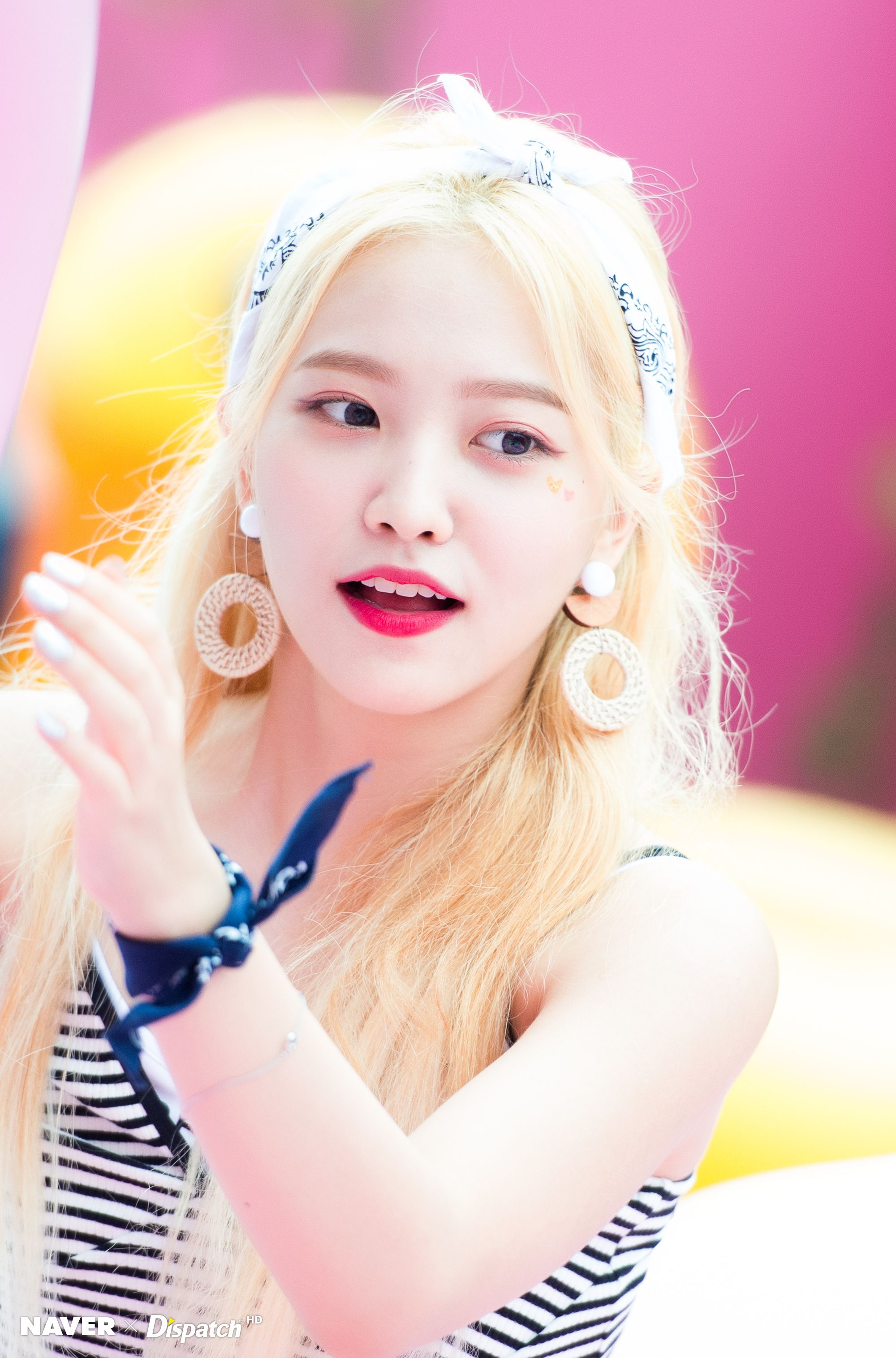 18 Hd Photos From The Red Velvet Pool Party You Wish You Were
