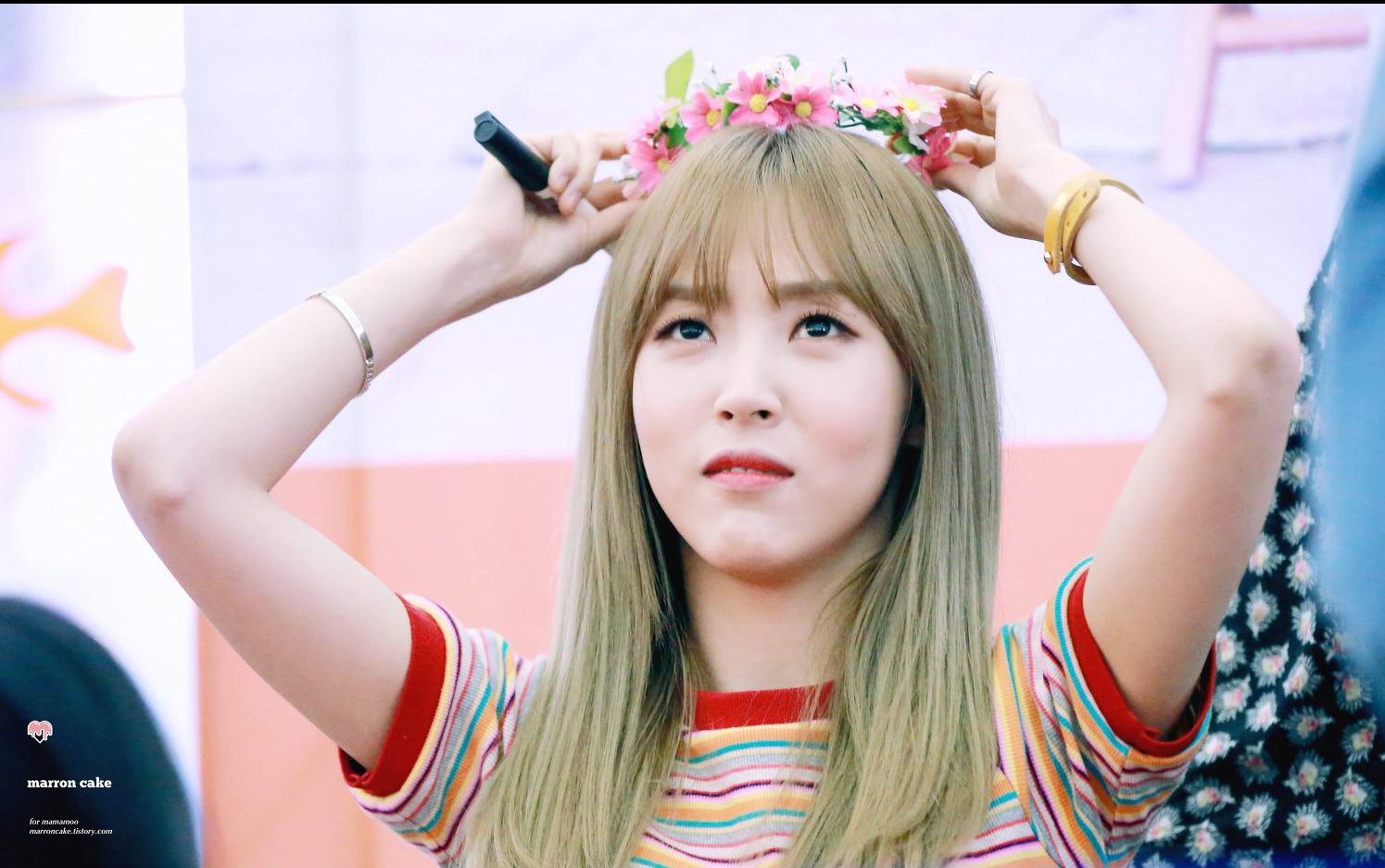 15 times mamamoo moonbyul hated flower crowns but looked great it seems like shes forgotten all about her flower crown izmirmasajfo Gallery