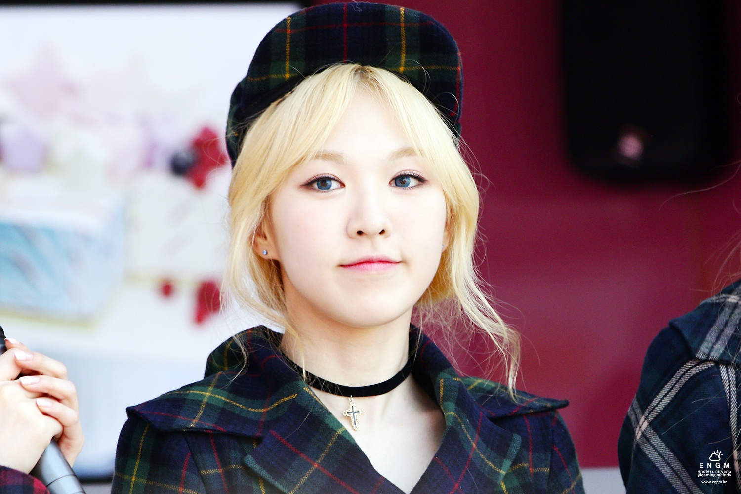 33 Pictures That Prove Red Velvets Wendy Can Wear Literally Any Hat