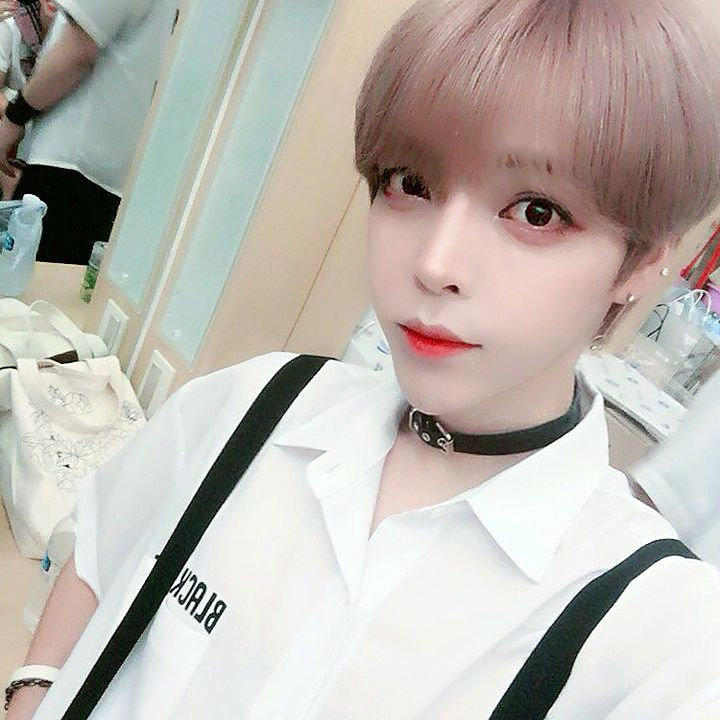 This Male Idol From An Upcoming Male Group Went Viral