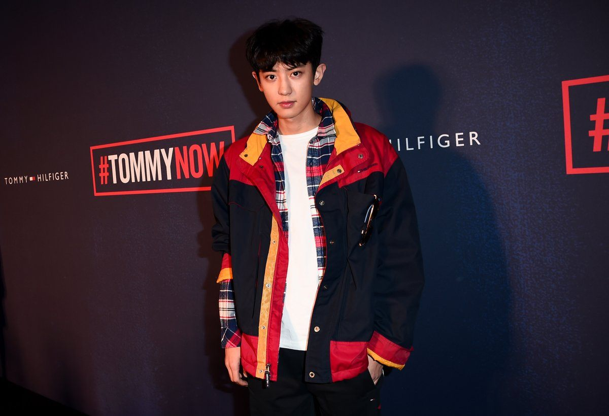 Chanyeol Steals The Spotlight From Gigi Hadid At Tommy