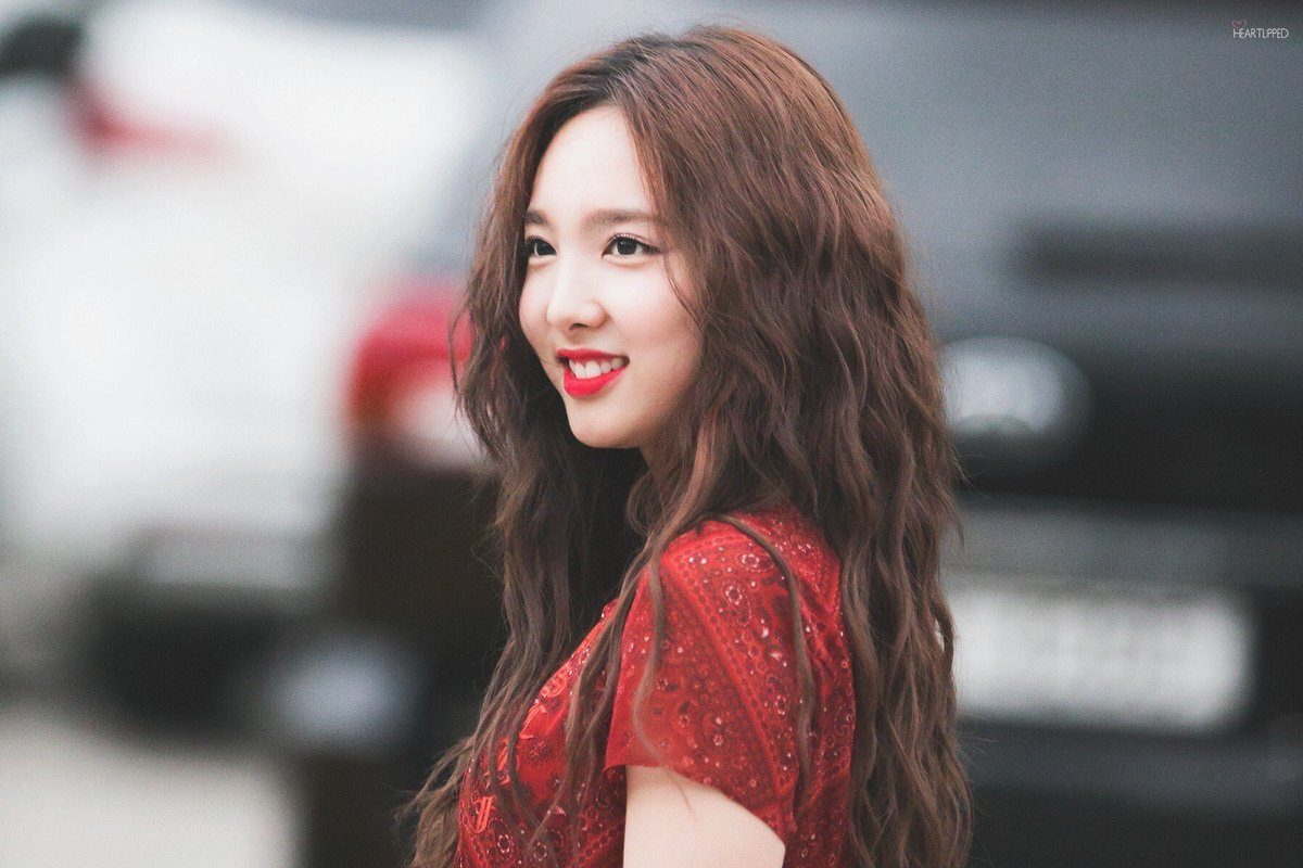 Twice Nayeon S New Hair Color Has Fans Calling It Her Best
