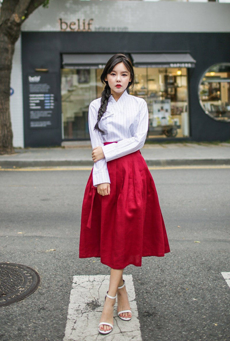 4d47cda46 Girls are wearing hanboks with skirts now, and Koreans aren't sure ...