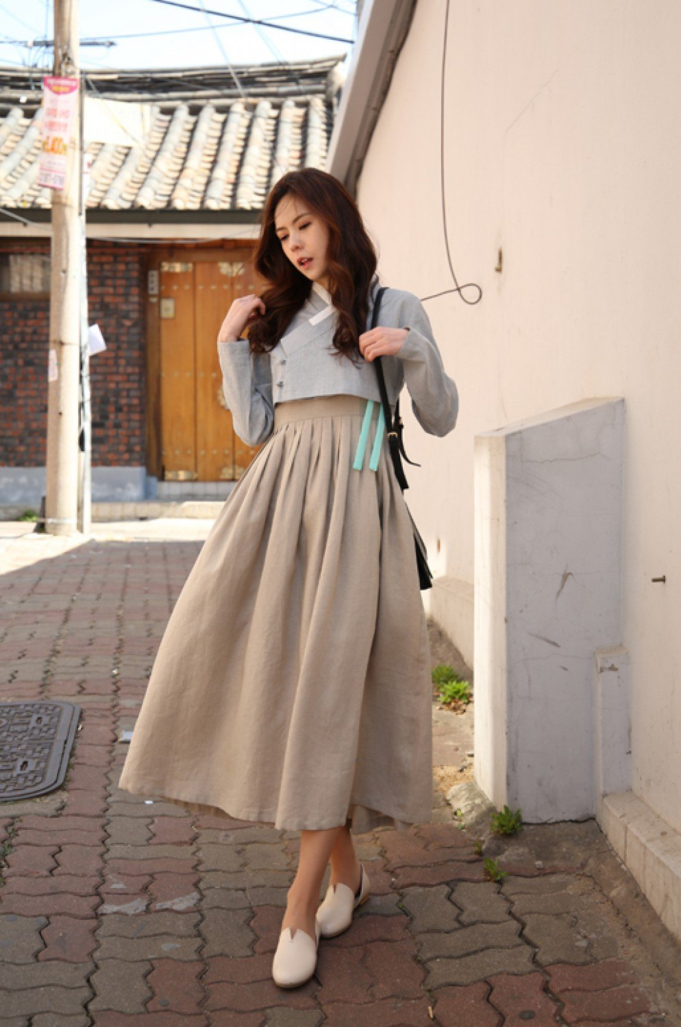Girls Are Wearing Hanboks With Skirts Now And Koreans Aren 39 T Sure How They Feel About It Koreaboo
