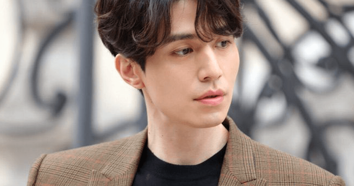 """Celebrities React To Bts >> Lee Dong Wook Stole The Show At Paris Fashion Week While Giving Off """"Goblin"""" Vibes — Koreaboo"""