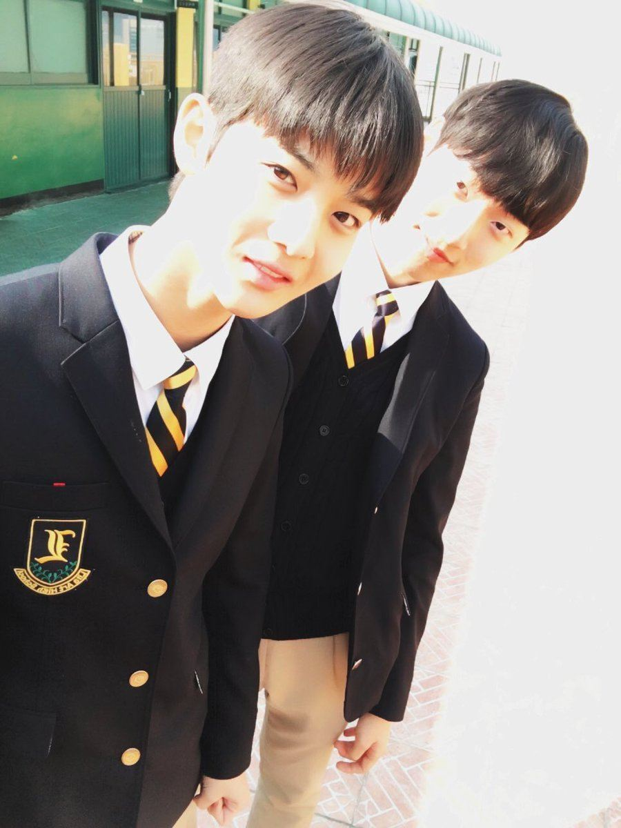 These school uniforms became famous thanks to the idols that wore