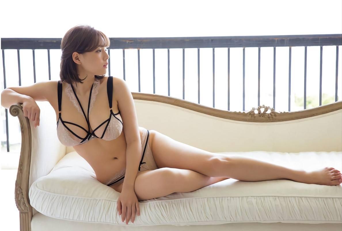 shinozaki ai returns after 3 years with semi-nude photoshoot - koreaboo