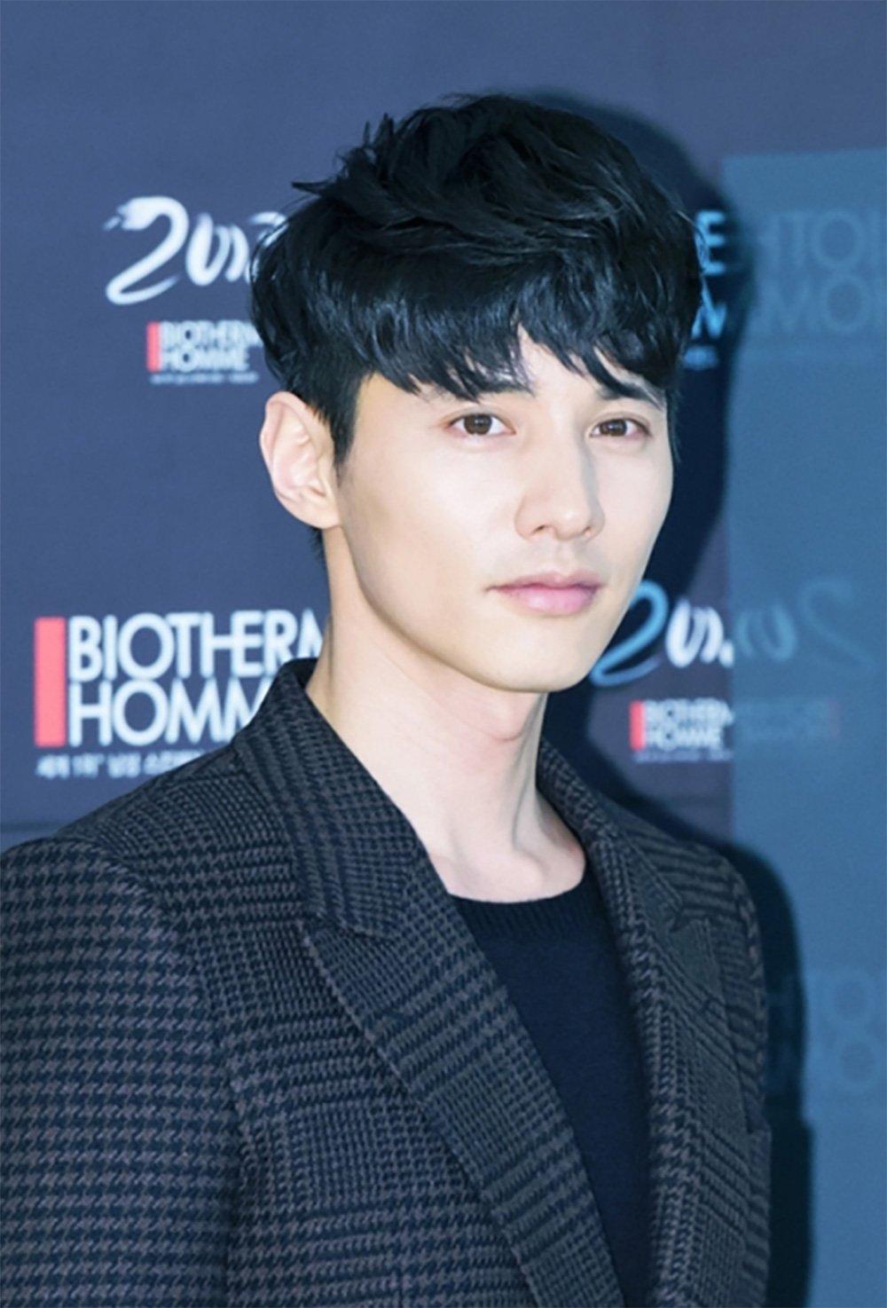 Here's How Good Looking Wonbin...
